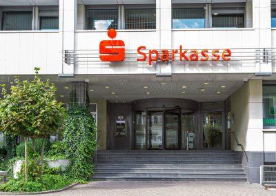sparkasse-beckum-lippstadt-türanlage-drehtür